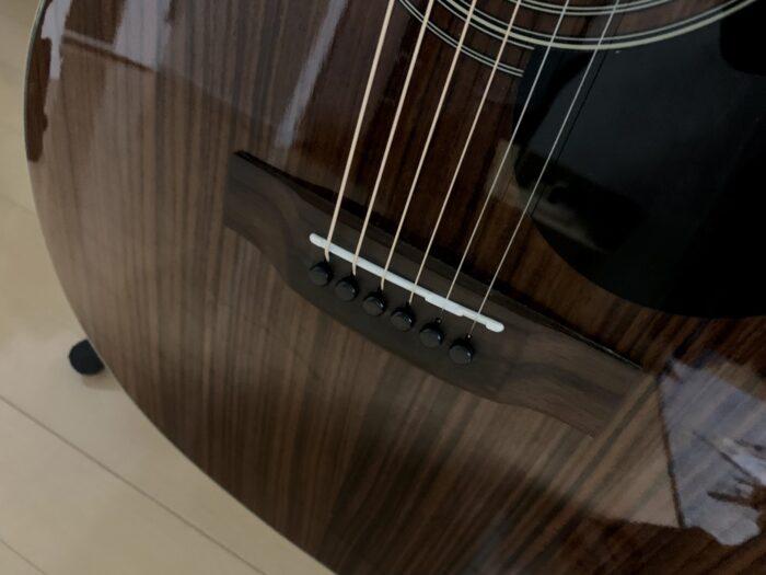 ギターのサドルの画像
